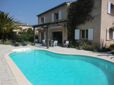 Diaporama cavalaire sur mer villa de luxe avec piscine for Camping cavalaire sur mer avec piscine